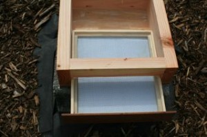 Bottom drawer for cleaning the Warre Hive