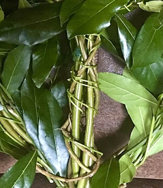 Wrapping the willow heart with Periwinkle Vine