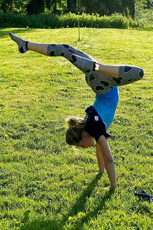 Backyard-handstand